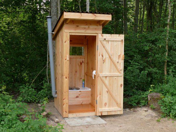 Дачный туалетный домик
