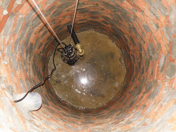 Насос в канализации