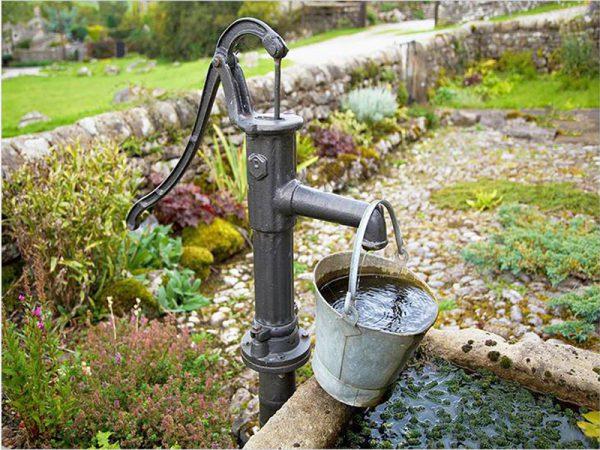 Ручной водяной насос
