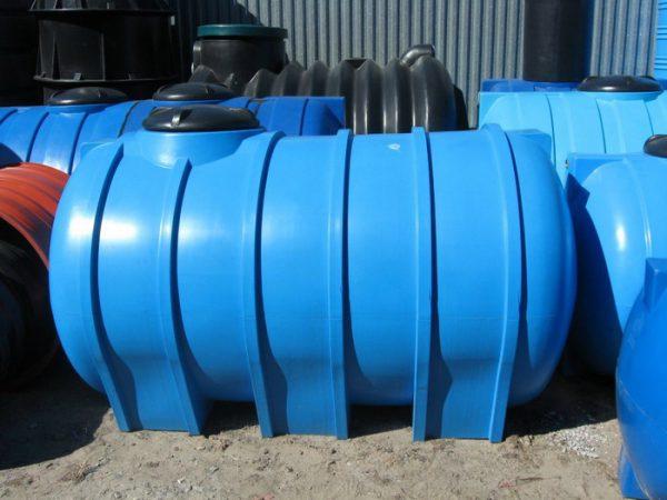 Пример пластикового септика для дома и дачи