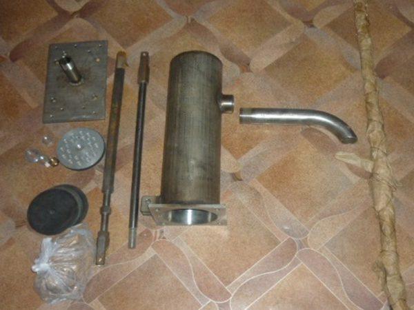 Детали для самодельной ручной помпы
