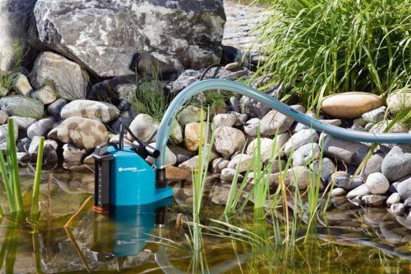 Закачка воды насосным дренажным устройством из заиленного водоема