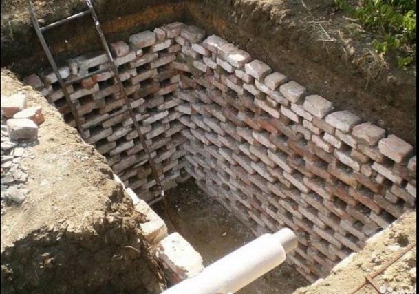 Выгребная яма на участке
