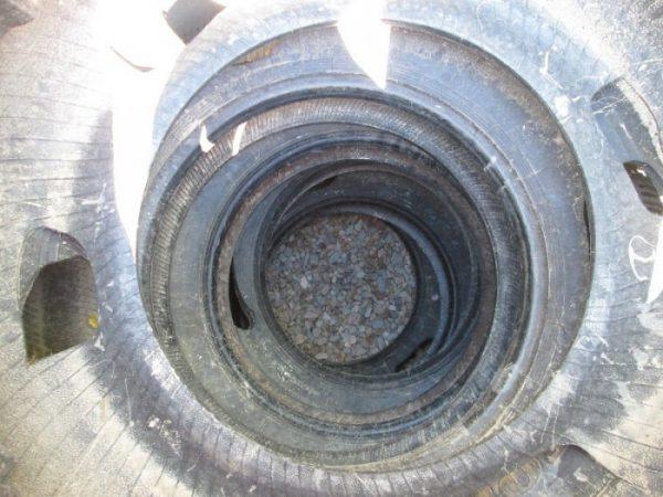 Выгребная яма из старых покрышек