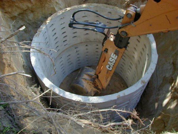 Укладка бетонных колец