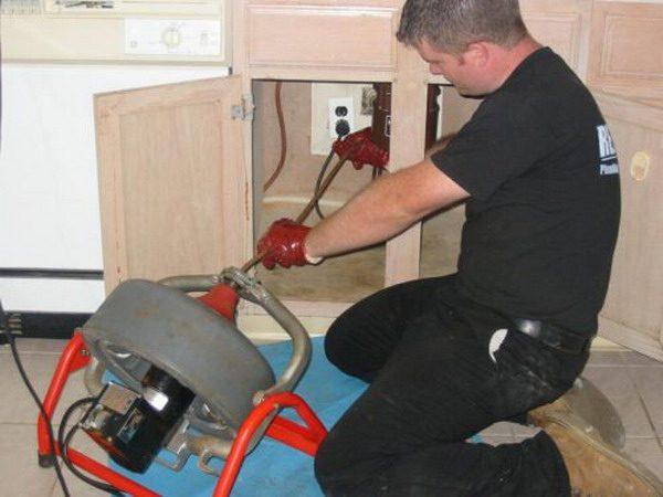 Электрооборудование для чистки канализационной системы