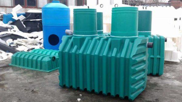 Внешний вид септика из полимера, произведенного на заводе