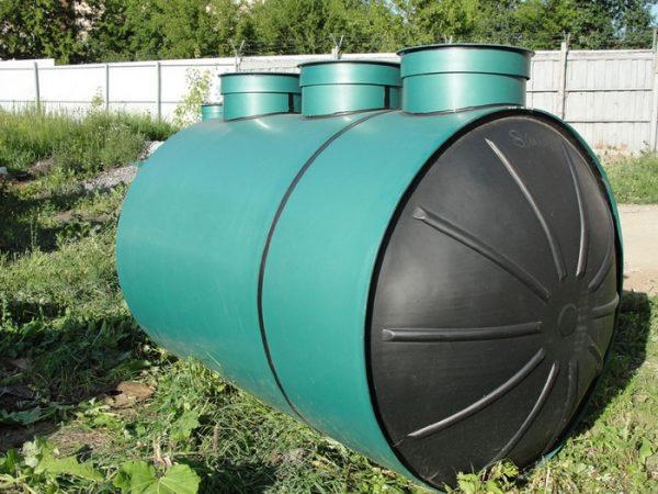 Современный септик для канализации в загородном доме
