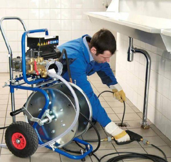 Гидродинамическая машина для прочистки канализации