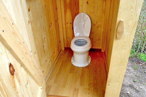 Удобный дачный туалет