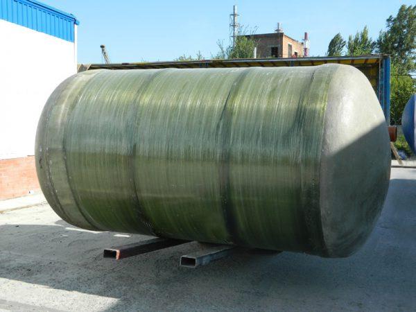 В отличие от прочих накопителей, стеклопластиковую канализацию можно устанавливать на поверхности земли