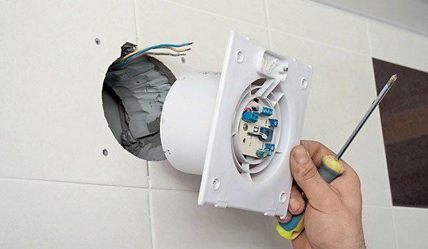 Монтаж принудительной вентиляции в туалете